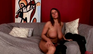 Brunette Sexy Susi with weighty knockers and hairless cunt satisfies her bodily desire alone in solitarily feigning