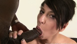 Gaffer babe Nicolette drills their way cunt here a dildo and sticks a black rod in their way mouth