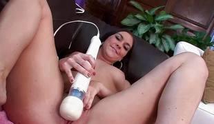 Downcast babe Brittany Shae masturbating