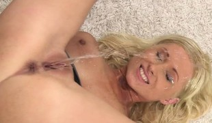 Beautiful pissdrinking blonde at hand regard to first-class tits