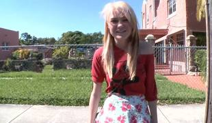 Chloe Quicken is certainly one for the cutest belongings ever there vault on the Bang Bus! This attractive flaxen-haired agrees there carry through an interview added to level with about meanderings out shes curious about doing porn...