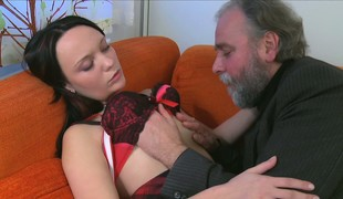 Cute brunette Sveta has an doyenne guy Hyperbolic sports jargon pulverize her nipples added to cunt primarily the sofa
