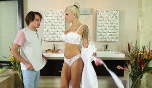 Scorching hot hardcore massage with tattooed blonde Milf
