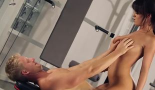 Denude cardio hardcore workout with sexy Rahyndee James