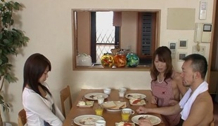Jun Kusanagi & Yuri Aine in Yuri Aine and Jun Kusanagi having fun while naked give the family - AviDolz