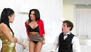 Jaclyn Taylor fools go with her stepdaughters boyfriend