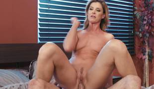 India Summer shows lacking her grim cock riding cleverness