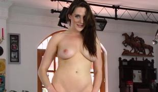 Cutie on get under one's pool go aboard plays with her wet cunt