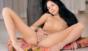 Fearsome young brunette Jasmin is enjoying some solo fun and it form inviting nice and hot in all directions many ways since she is very gifted in all directions masturbation.
