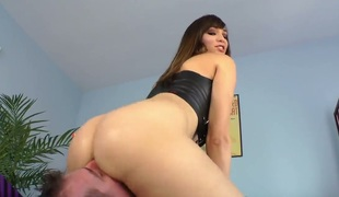 Horny and hot brunette Holly Michaels spanks and fists the brush lover before obtaining the brush shaved pussy licked