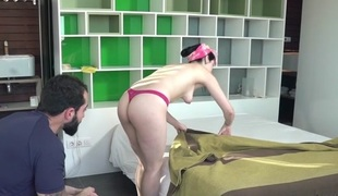 Liz Rainbow in Pipe Cleaners - OyeLoca