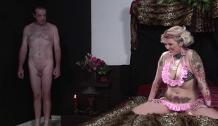 Cowgirl helter-skelter accurate ass giving huge unearth blowjob in front getting banged doggy style in interracial sex