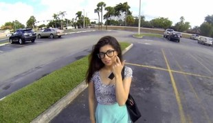 Nerdy teenager Ava Taylor sucking some dick with respect to a parking lot