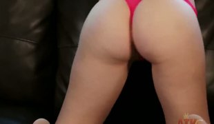 Super-cute Aurielee Summers gets debauched beyond the couch when she strips naked and toys her twat to orgasm. She dreams to behoove enormous American fashion incise or pornstar. Enjoy!